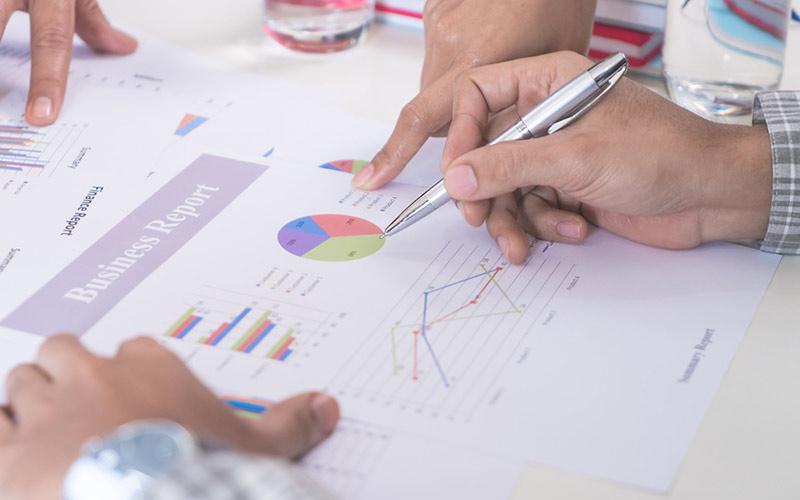 Finanzexperte-Investment